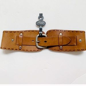 NWT Fossil leather waist belt